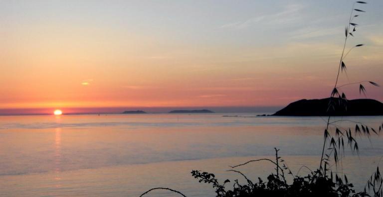 les 7 îles avec coucher de soleil.2 JPG