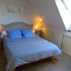 Chambre lit 140 à l'étage