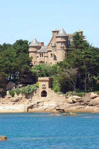 château Coastaeres à Trégastel